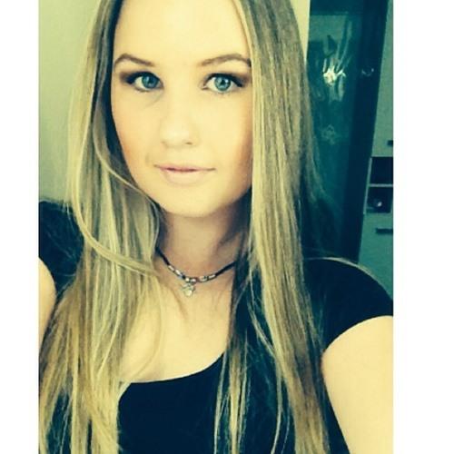 mrsbizzle's avatar