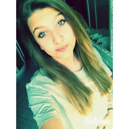 lil becky's avatar