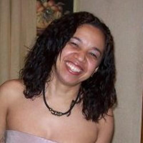 LyLy Alves Alves's avatar