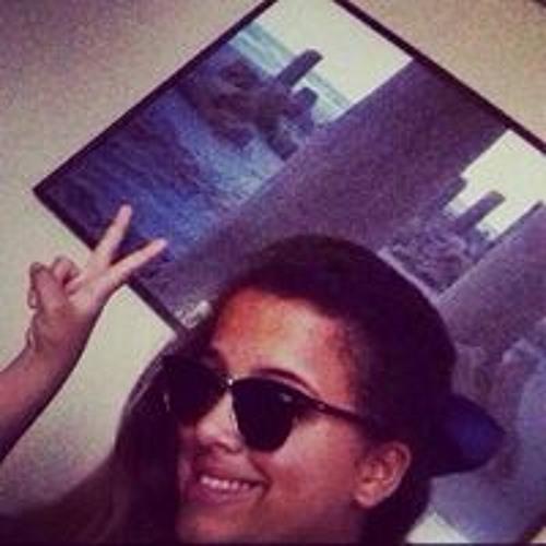 Bruna Faria 20's avatar