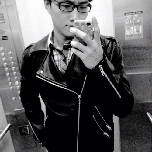 K.HOU's avatar