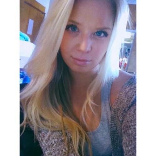 Ashlee Davis 00's avatar