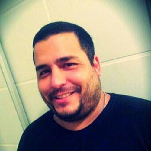 Luiz Felipe Iatarola's avatar