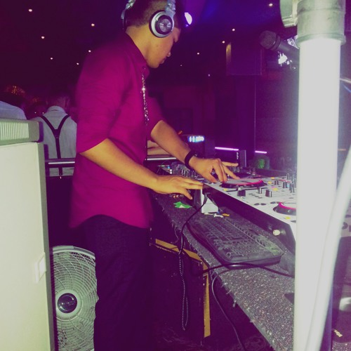 DJ Hos's avatar