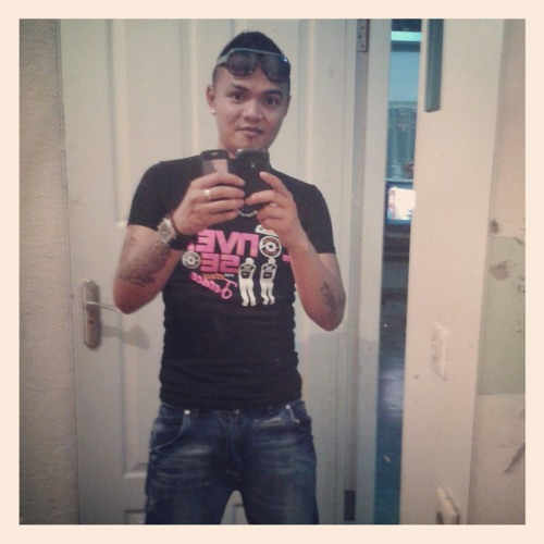 user419184128's avatar