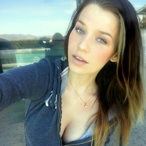 Karla B.Carcamo's avatar