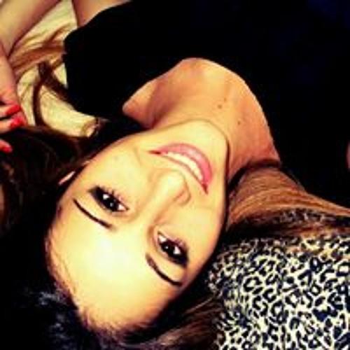 Beatriz Valêncio's avatar