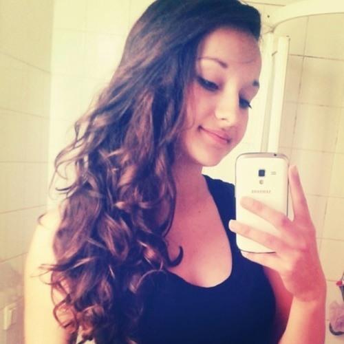 Carla Crumer's avatar