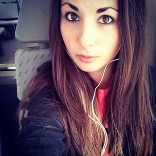 Leah Rivis's avatar