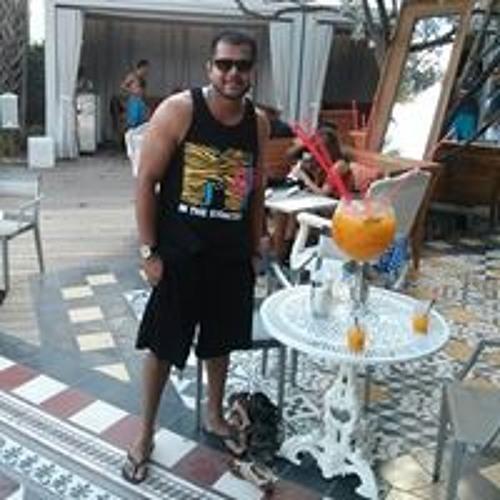 Mahin Nadarajah's avatar