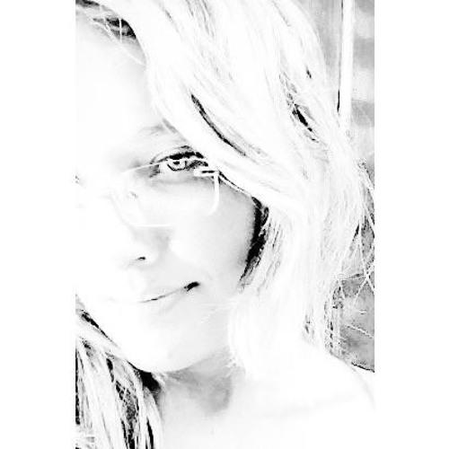 Nina Kátia's avatar