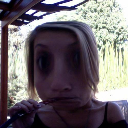 Makena Lawrence's avatar