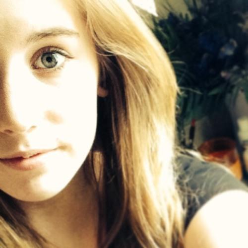 Deanna Lyn's avatar
