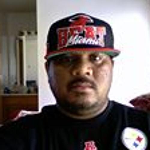 Darren Bitenz's avatar