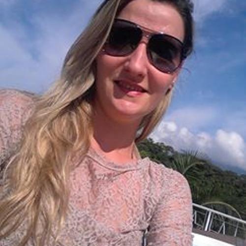 Aline Capelli's avatar