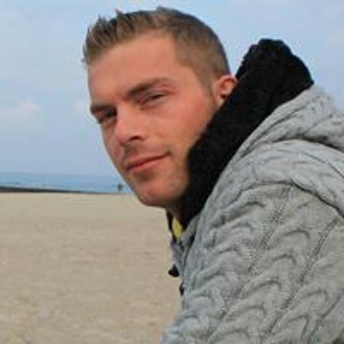 Adrien Fricke's avatar