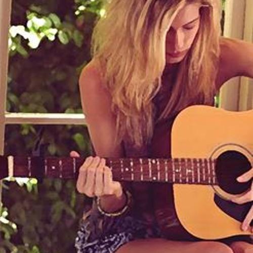 Lizzy Mirren's avatar