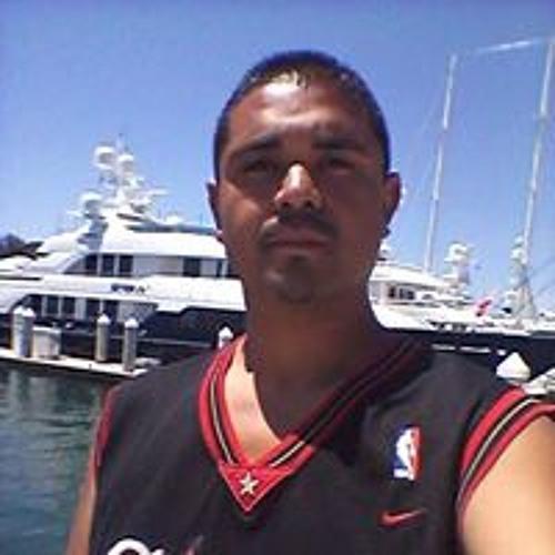 Robert Perez 52's avatar
