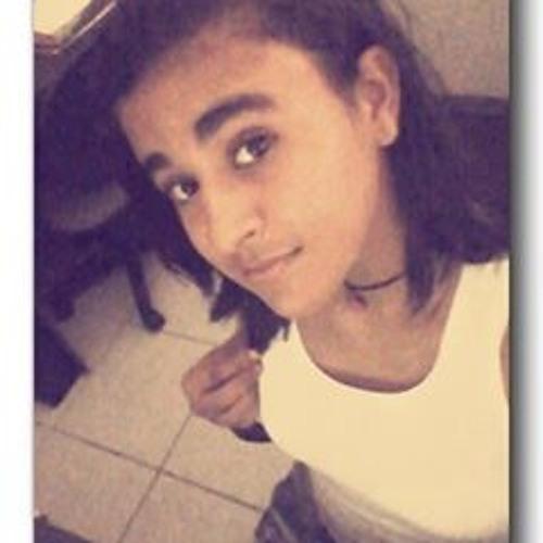Ana Maia 15's avatar