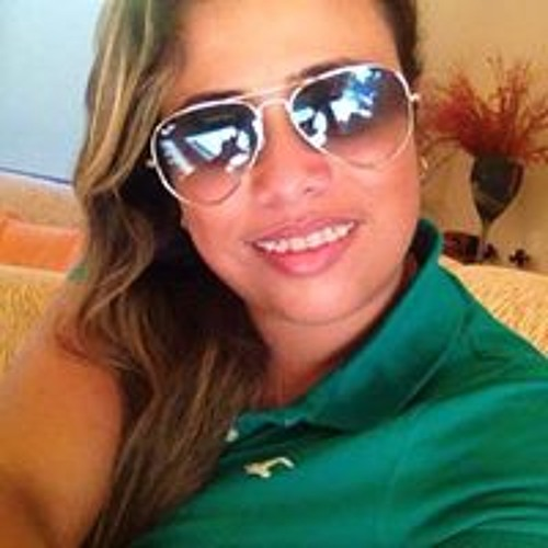 Ana Carolina Goncalves 18's avatar