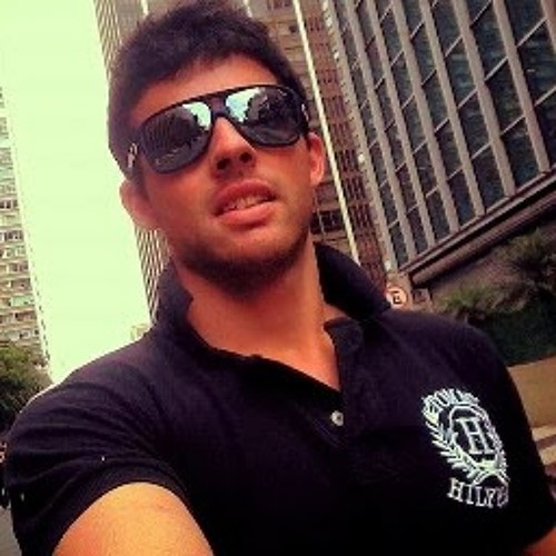 lucas Tofanin's avatar