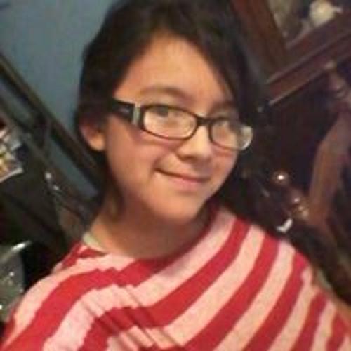 Daniela Raya's avatar