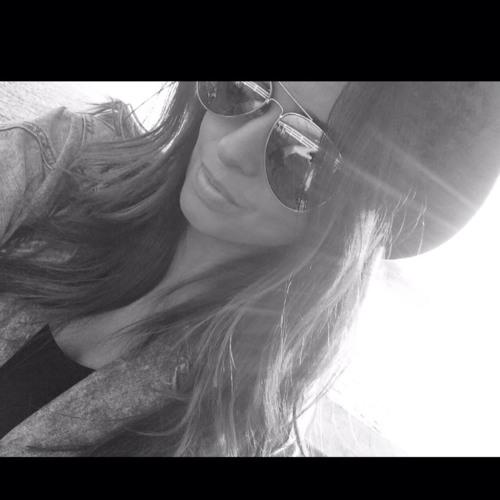 @VictoriaMuniz's avatar