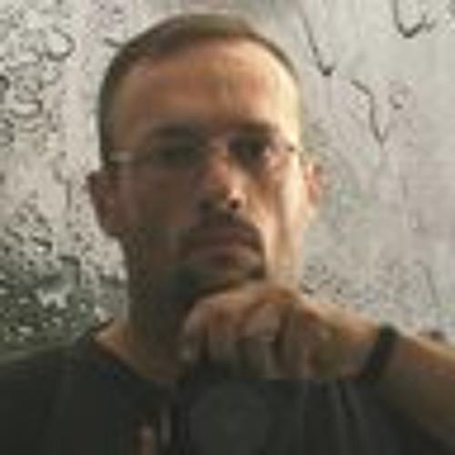Santiago Pérez Valdivia's avatar