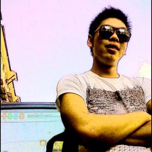 K1NG H4FIS's avatar