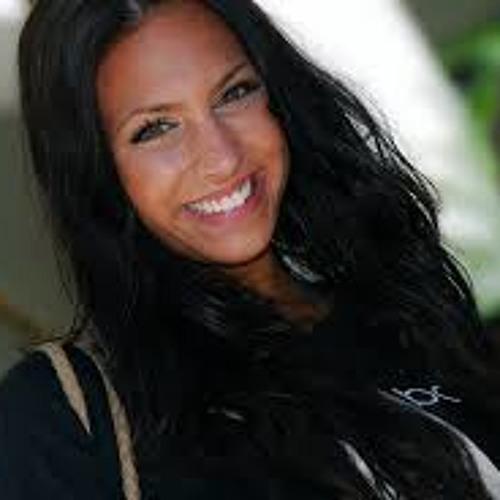 Esmeralda ST's avatar