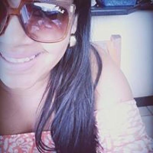 Camila Reinado's avatar