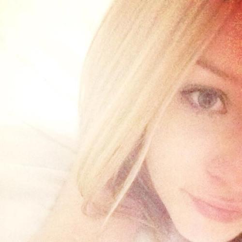 Charlotte Emily 1's avatar