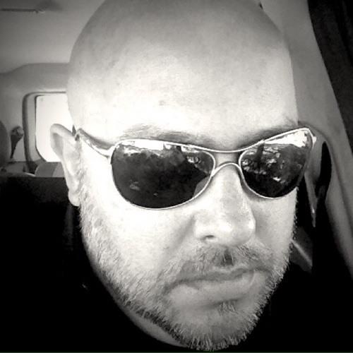 Luis Bucater's avatar