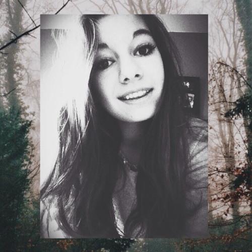Aline Grc's avatar