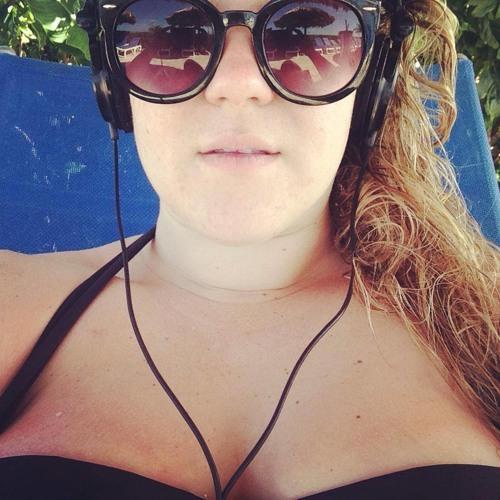 Katerina Isabella's avatar