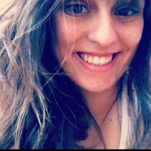 Juliana Toledo's avatar