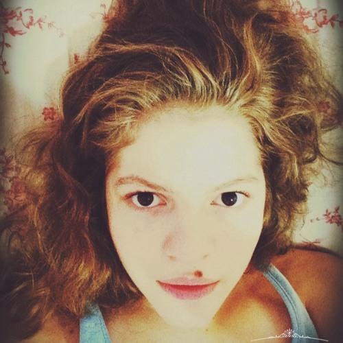 Mayara Moreira 2's avatar