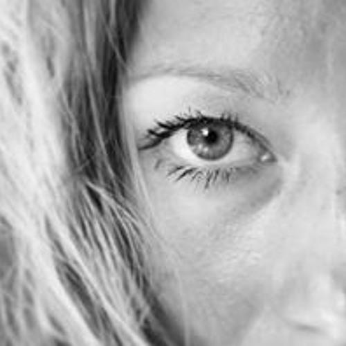 Liza Urla's avatar