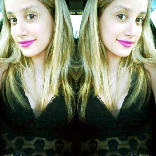 Raphaela Borba's avatar