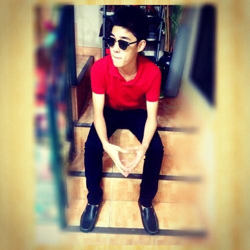 Chrstphr :)'s avatar