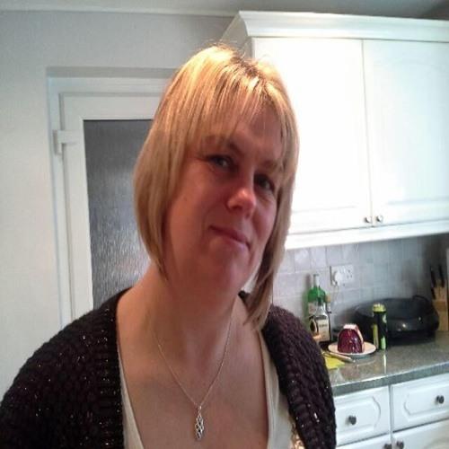 Julie Ann Corneloues's avatar