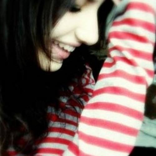 Angel Alina Khan's avatar