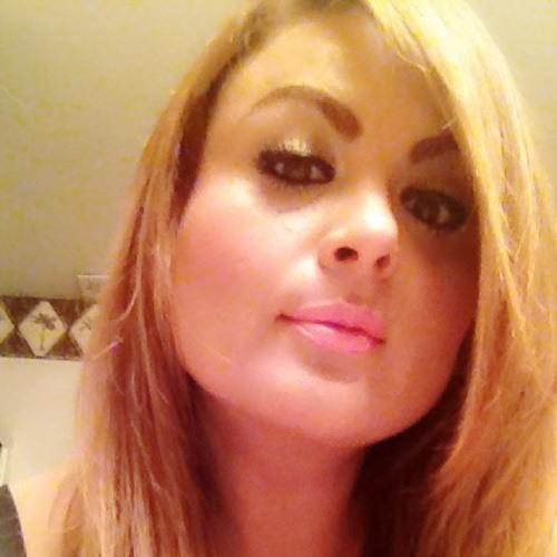 Anna Belle Luna DeSalinas's avatar
