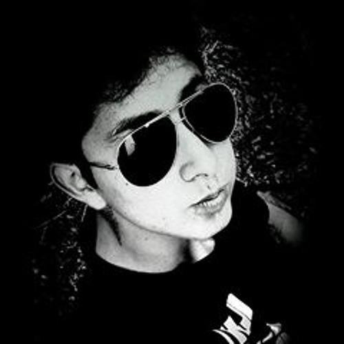 L Lewi Chh V C's avatar
