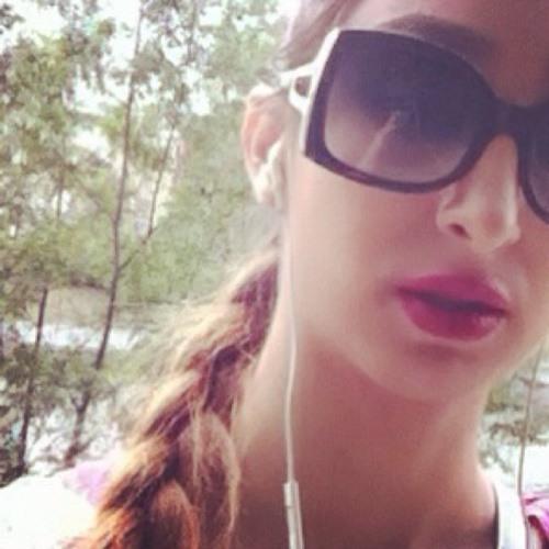 Dorsa Riazi's avatar