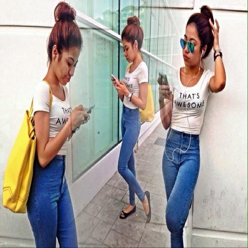 Nisa Emyra's avatar