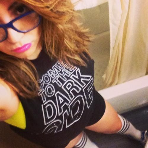Eve Rodriguez- Flores's avatar