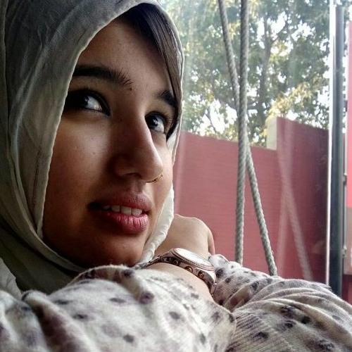 Aena Khan's avatar