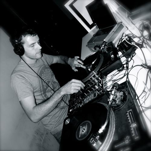 Garage A Beat (DJ Set, Mogambo Club, Valencia, 18/11/11)