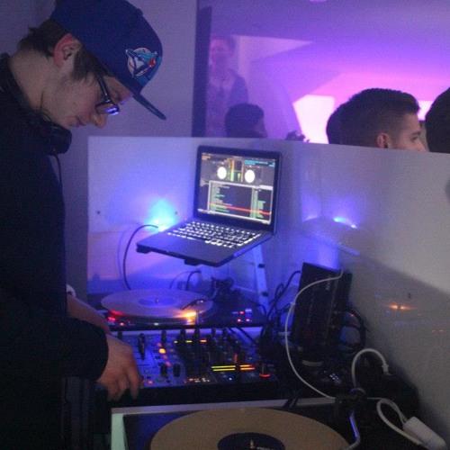 DJ Forty-Four's avatar